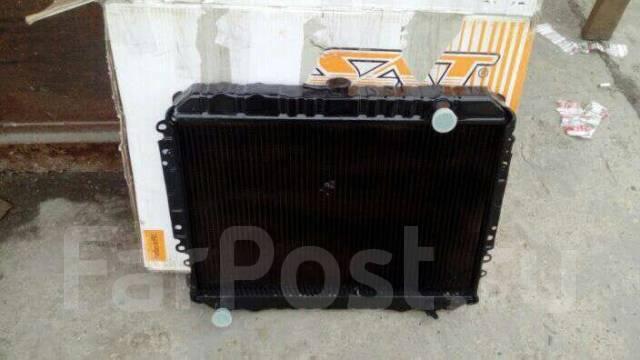 Радиатор охлаждения двигателя. Isuzu TF, TF Двигатель #