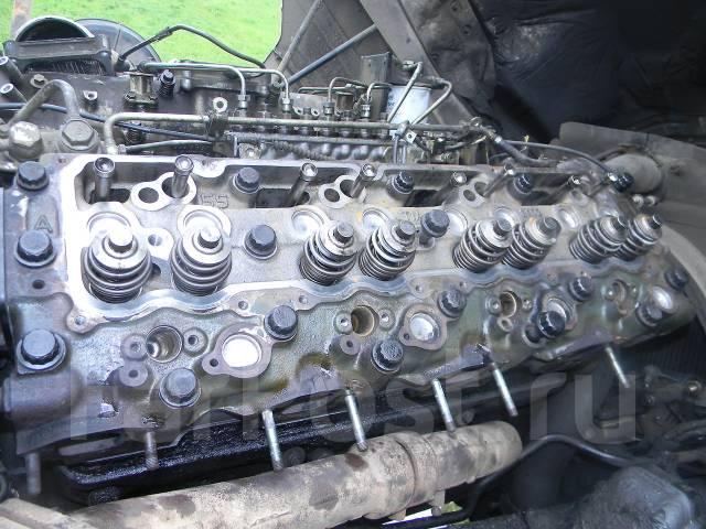 ремонт 8 цилиндрового дизельного двигателя на мерседесе грузовом