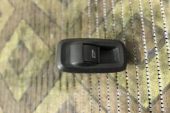 Кнопка стеклоподъемника. Ford Fiesta