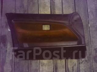 Обшивка двери. Toyota Sprinter, AE90