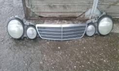 Решетка радиатора. Mercedes-Benz E-Class, 210 Двигатели: 2, 8