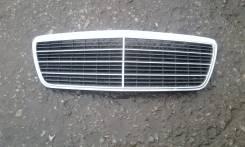 Решетка радиатора. Mercedes-Benz E-Class, 210211