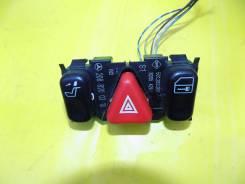 Кнопка включения аварийной сигнализации. Mercedes-Benz C-Class
