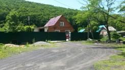 Продаю двухэтажный дом с ремонтом!. 1-я Рабочая 2 б, р-н Шан-Хай, площадь дома 110кв.м., скважина, электричество 15 кВт, отопление твердотопливное...