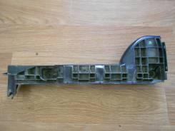 Крепление бампера. Toyota Hiace, TRH223L