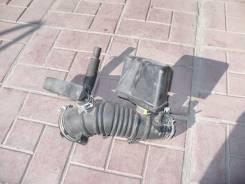 Патрубок воздухозаборника. Toyota Camry, 50 Двигатели: 1AZFE, 1AZ