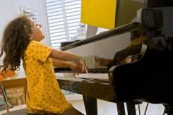 Уроки игры на фортепиано + вокал + музыкальная грамота