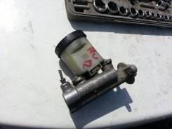 Цилиндр главный тормозной. Nissan Bluebird, RU12 Двигатель CA18DE