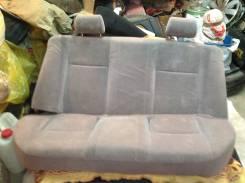 Продам отличные задние сиденье от тойота корола