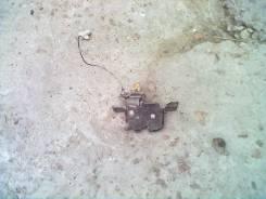 Замок крышки багажника. Mazda Demio, DW3W