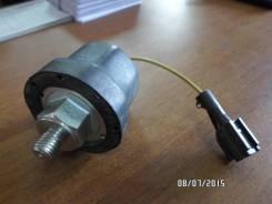 Датчик давления масла. Isuzu Giga Двигатель 10PD1