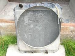 Радиатор охлаждения двигателя. Mitsubishi Canter, FE301B Двигатель 4D30