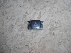 Кнопка включения аварийной сигнализации. Toyota Mark II, GX90 Toyota Cresta, GX90 Toyota Chaser, GX90