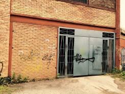 Гаражи капитальные. улица Комсомольская 29, р-н Первая речка, 18 кв.м., электричество. Вид снаружи