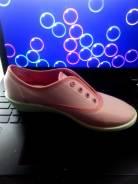 Спортивная обувь. 39