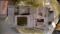 Консоль центральная. Mitsubishi Pajero, V25W, V24W, V23W, V21W, V26WG, V46WG, V47WG, V26C, V25C, V43W, V45W, V46W, V46V Двигатель 4G64