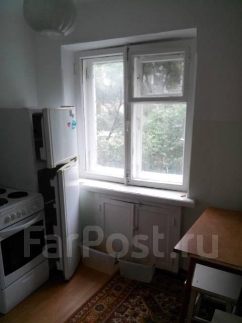 1-комнатная, улица Светланская 165а. Гайдамак, частное лицо, 31 кв.м. Вид из окна днем