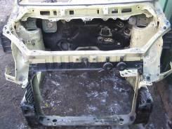Рамка радиатора. Toyota Noah, AZR65 Двигатель 1AZFSE