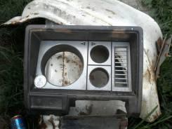 Консоль панели приборов. Nissan Atlas, SH40 Двигатель FD35