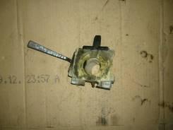 Блок подрулевых переключателей. Nissan Caravan, KRE24 Двигатели: TD27T, TD27