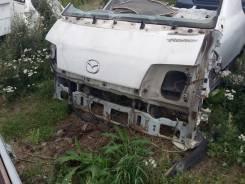 Передняя часть автомобиля. Mazda Bongo, SK82M Nissan Vanette