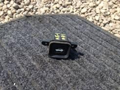 Кнопка открывания багажника. Honda Inspire, UA5 Двигатель J32A