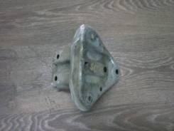 Кронштейн усилителя бампера, правый задний Toyota Belta, 2SZFE