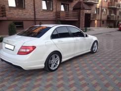 Mercedes-Benz W204. W204, 271