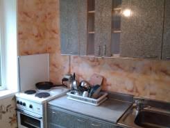 1-комнатная, улица Интернациональная 61. Чуркин, частное лицо, 34 кв.м. Кухня