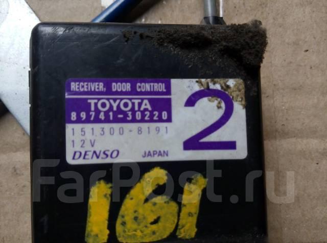 Кнопка управления дверями. Toyota Aristo, JZS160, JZS161 Двигатели: 2JZGTE, 2JZGE