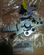 Механизм замка задней двери TOYOTA 69690-95J04 В НАЛИЧИИ