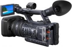 Sony HDR-AX2000E. 20 и более Мп, с объективом
