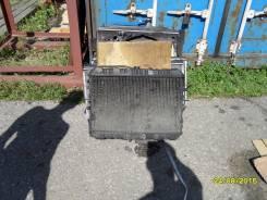 Радиатор охлаждения двигателя. Mazda Bongo, SS88 Двигатель F8