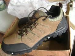 Ботинки треккинговые. 42