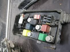 Блок предохранителей под капот. Toyota Crown, GS131H, GS131