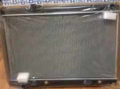 Радиатор охлаждения двигателя. Infiniti M35