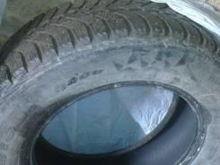 Bridgestone Ice Cruiser 5000. Зимние, шипованные, 2012 год, износ: 30%, 4 шт