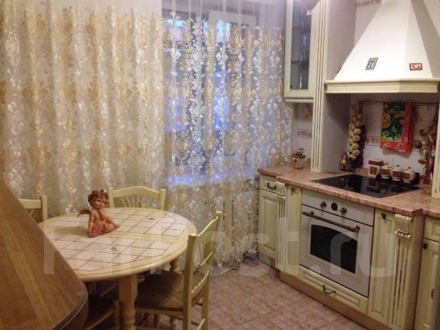 2-комнатная, улица Давыдова 35. Вторая речка, 50кв.м. Кухня
