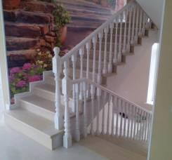 Деревянные лестницы, кровати, барные стойки, балки, кухонные фасады.