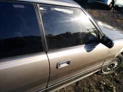 Дверь передняя правая на Toyota Crown GS131 1G-GZE