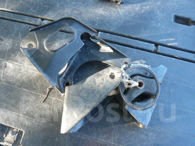 Подушка двигателя. Nissan Bluebird Sylphy, QG10 Двигатели: QG15DE, QG18DE