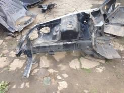 Передняя часть автомобиля. Toyota Mark II, JZX100