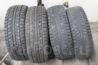 Dunlop Winter Maxx WM01. Зимние, шипованные, 2012 год, износ: 5%, 4 шт