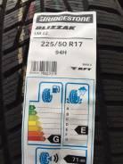 Bridgestone Blizzak LM-22. Зимние, без шипов, 2015 год, без износа, 4 шт
