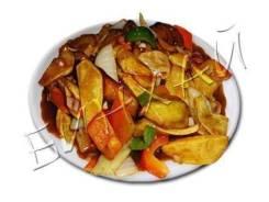 Баклажаны жареные с картофелем и сладким перцем