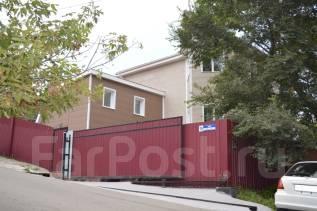 Продается отличный коттедж в черте города. Улица Матросская 2-я 18, р-н Гайдамак, площадь дома 271кв.м., централизованный водопровод, электричество...