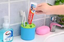 Подставки для зубных щеток.