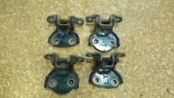 Крепление боковой двери. Honda Civic Aerodeck Двигатели: D15Z8, D14Z3, D16W4, D14Z4, D16W3, 20T2N23N, D14A7, D14A8, D16B2, 20T2N22N, 2N23N, B18C4, 20T...