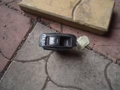 Кнопка стеклоподъемника. Toyota Sprinter Marino