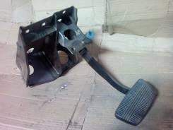 Педаль тормоза. Nissan Terrano, D21